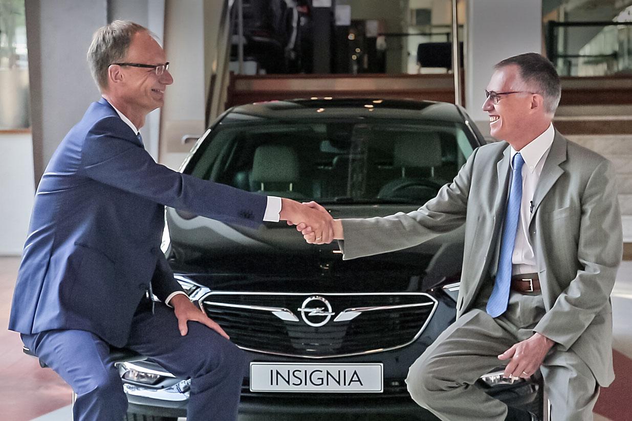 autoservice.com,gr_Opel-CEO-Michael-Lohscheller-PSA-Group-CEO-Carlos-Tavares
